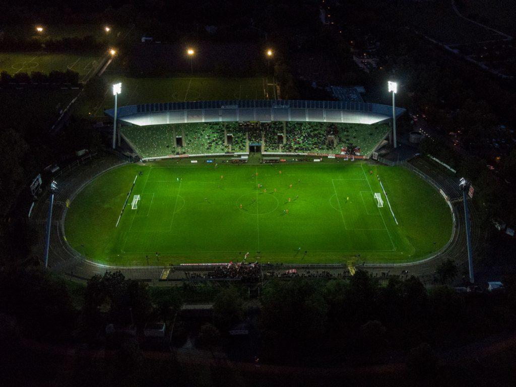 Stadion an der Kreuzeiche Flutlicht
