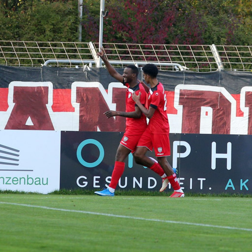 Onesi Kuengienda beim 1:0 des SSV Reutlingen gegen den 1. CfR Pforzheim